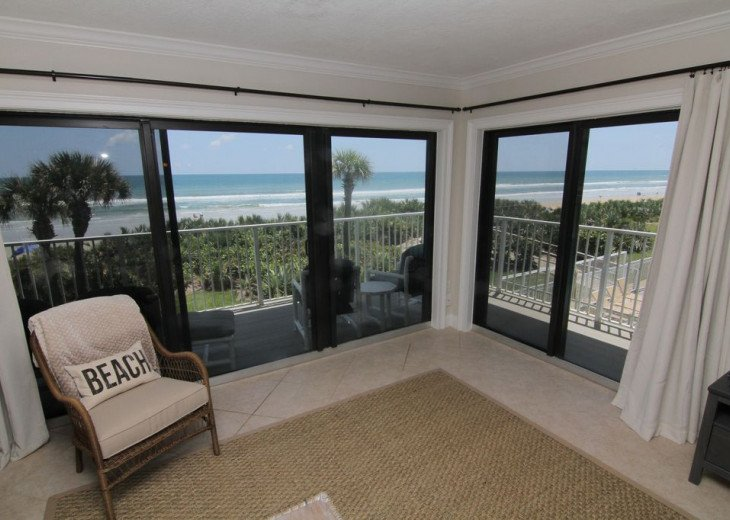 Palm and Sea Vista, Updated 2/2, Beach and Pool Views from Corner Balcony #1