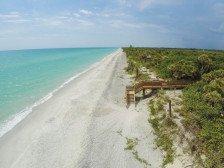 Delightful Duplex (Separate Studio suite)beach access via Ferry #1