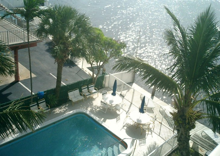 Pool Paradise on the Intracoastal Heated and exquisite sunsets