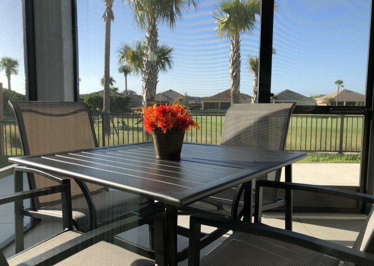 Golf View Courtyard Villa, WiFi,1 block from Pool,Pet Friendly Enclosed Backyard #1