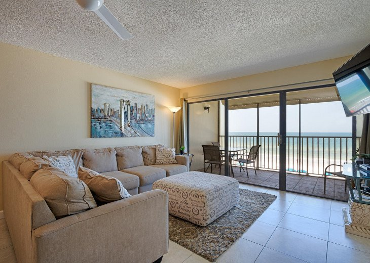Ocean Front, 3 Bedrooms, 2 Baths, Newly Renovated Condo, Sleeps up to 6 #1