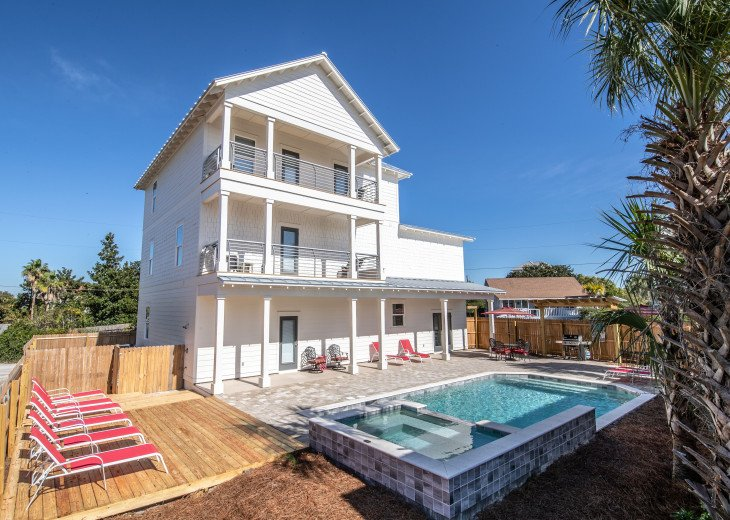 SPRING DISCOUNT!Coastal Charmer - Gulf Views! Large Priv Pool/Spa steps to beach #1