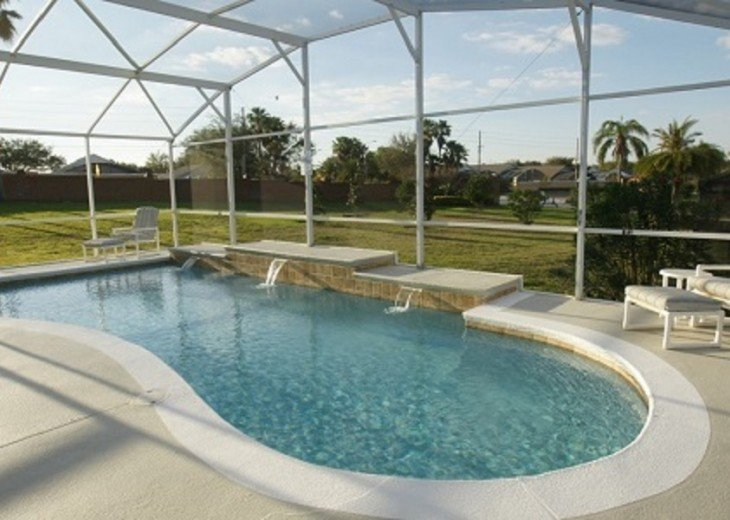 Four Bedroom Family Vacation Home Close to Disney! #1