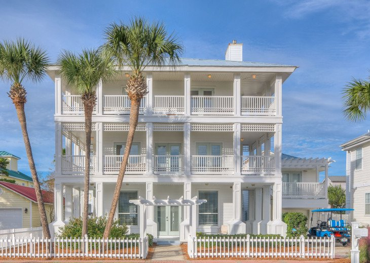 Stunning Large Traditional Florida Home Complete with Carriage House, Private #1
