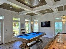 Snowbird Heaven heated pool, shuffleboard/pool tables, steps to beach #1