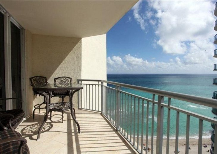 Magnificent Condo 21 Floor 17375 Collins Ocean Point Beach Club #1