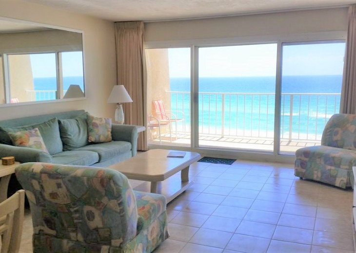 Fabulous view of the ocean throughout the unit!