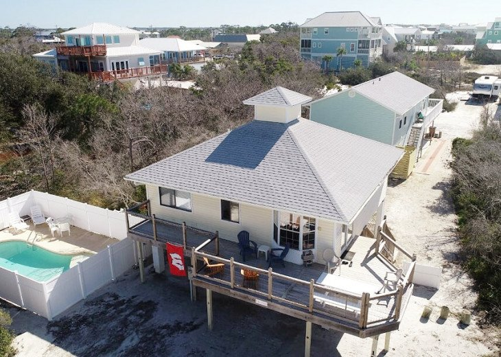A Flip Flop, smaller adorable home, PRIVATE POOL, 200 steps to the beach. #1