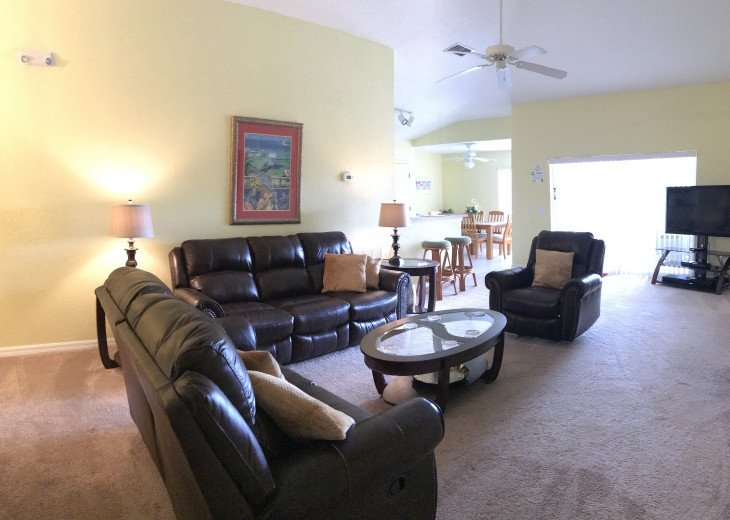 South Facing Pool with Conservation View -gated community - 3BR / 3BA #1