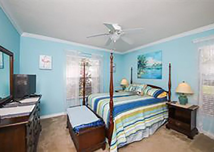 Room and Bath in Beautiful Tropical Sarasota Home #1
