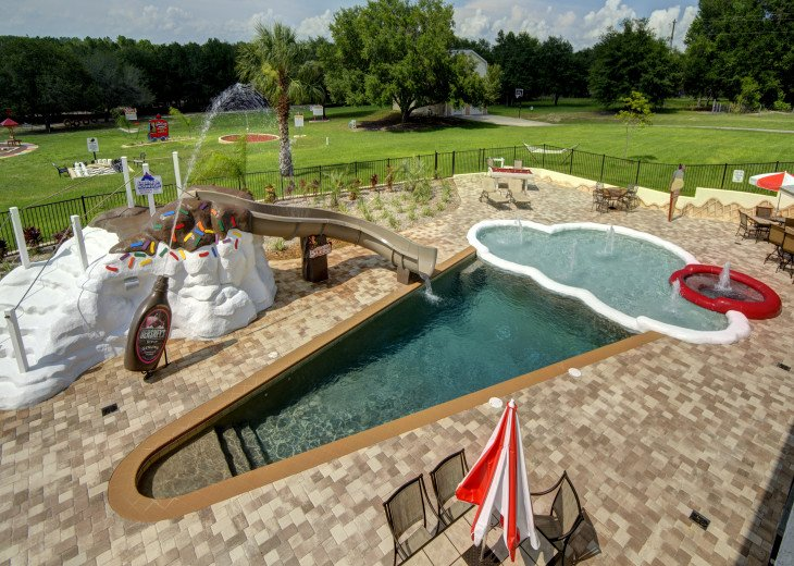 "World's only ICE CREAM pool! Hot tub is the ""cherry on top!"""