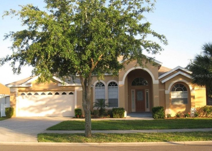 Disney Vacation Rental Home 4 Bedroom, 3 Bathroom with Pool and Hot Tub