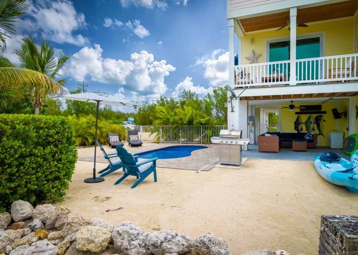 Tropical Oasis! Paddle Board, Kayaks, Outdoor TV, Private Heated Pool #1