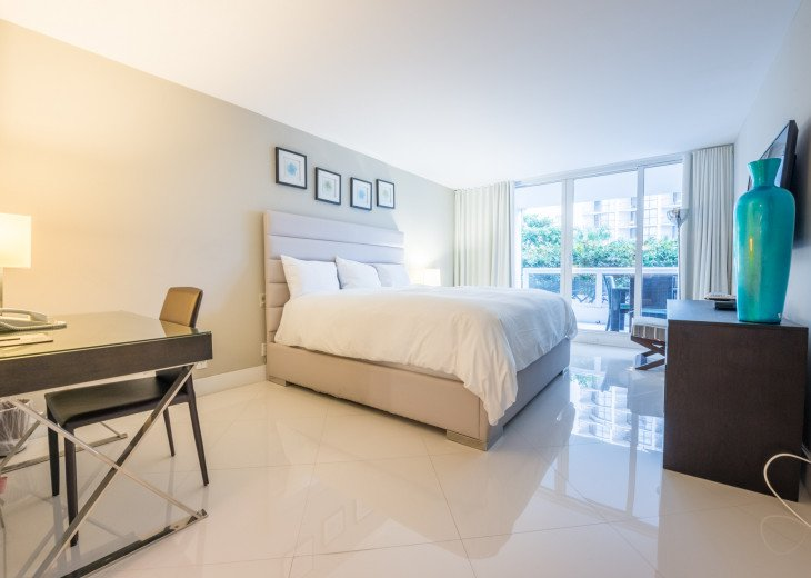 The Grand Downtown Miami | Deluxe One Bedroom Partial Bay View #1