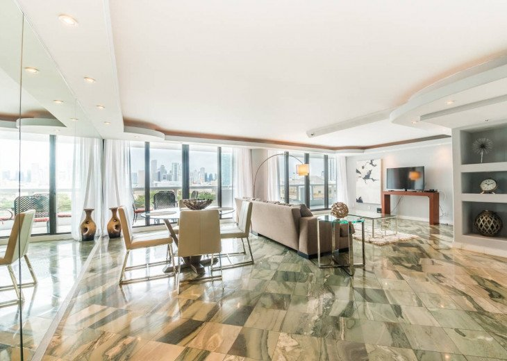 The Grand Downtown Miami | Standard Two Bedroom Pool & Partial Bay View #1