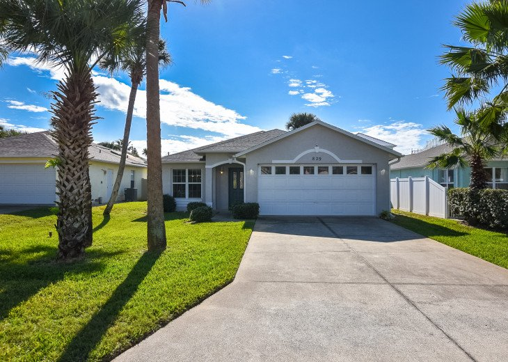 Manatee Pool House - 2 Minutes to Beach Pet Friendly #1