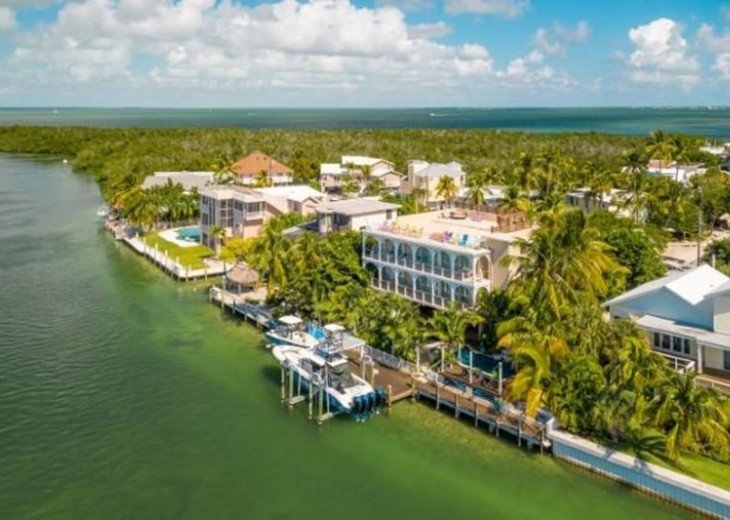 FISH WHISTLE - Stunning Bayfront Home Directly on Snake Creek. Dock, Pool&More! #1