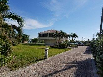 Beautiful 3BD 3BA Villa in the Exclusive Flamingo Island