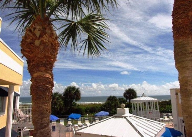 SPECIAL $69.00 PER NIGHT Relax in this 1B/1B Overlooking Pool & Ocean (RM1206) #1
