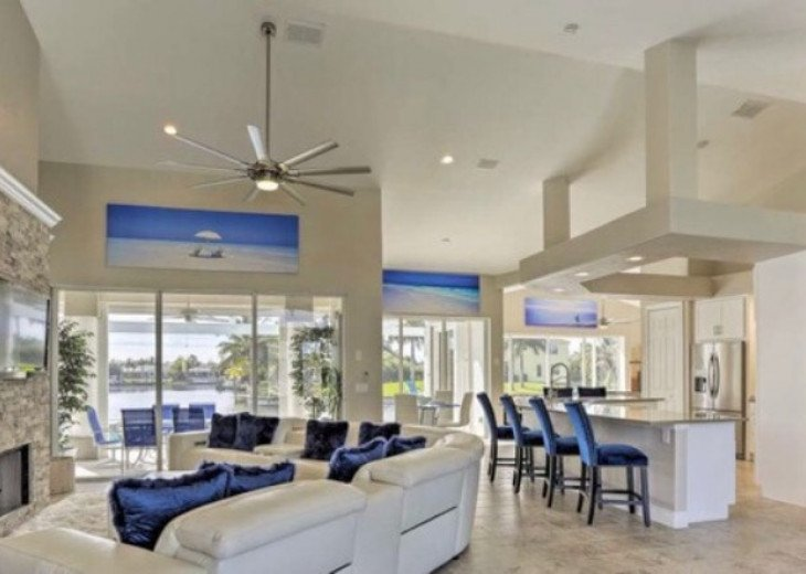 Bikinis & Martinis - Canalfront Cape Coral Home! #1