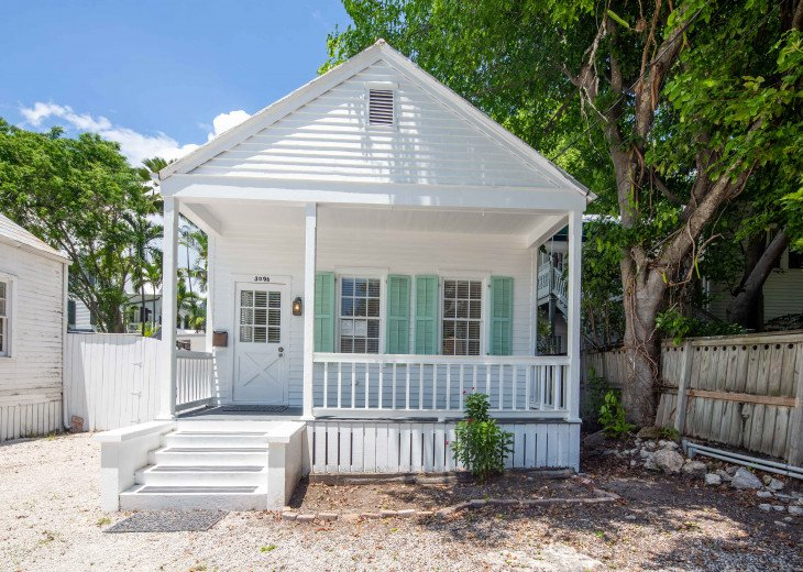 Heart of Downtown Key West Cottage With Off-Street Parking #1