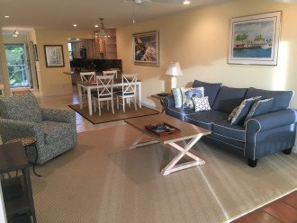 Pefectly Located 2BR 2BA Condo - Steps to Beach and 5th Ave. (New Listing)