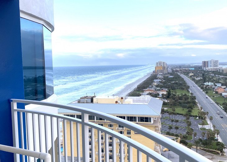 A WAVE FROM IT ALL- REMODELED CONDO, BEST VIEWS ON THE BEACH 22SW #1