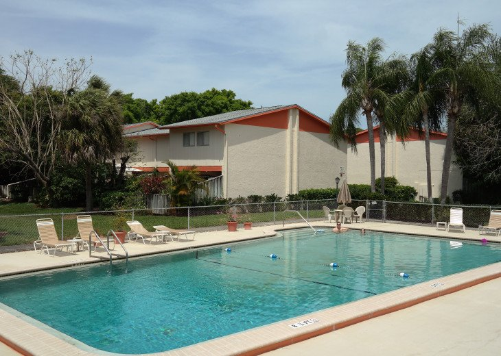 Townhouse-Style Condo in Quiet Complex with Pool - Near Beaches #1