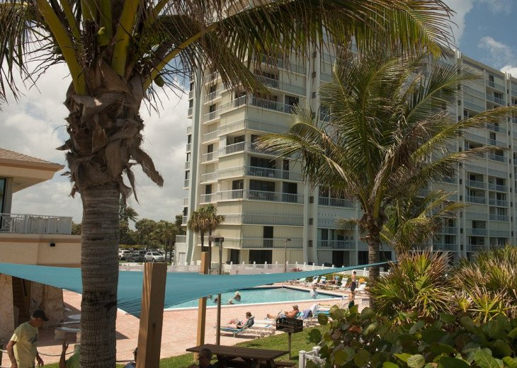 Hutchinson Island Beachfront , Luxury Corner Unit #1