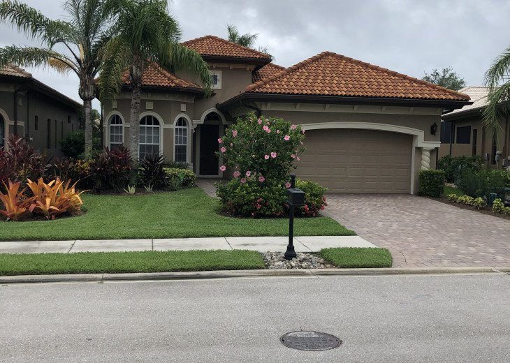 Spectacular profesionally decorated home with private pool & hot tub! #1