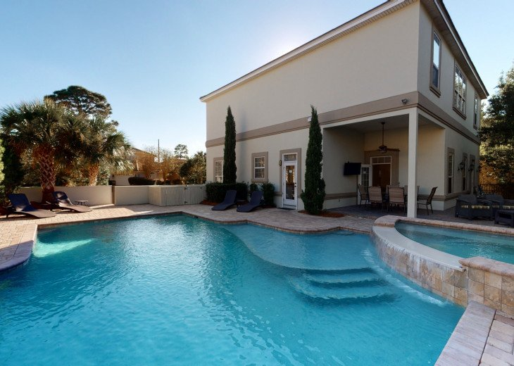 Large Private Pool with an Over Flow Spa